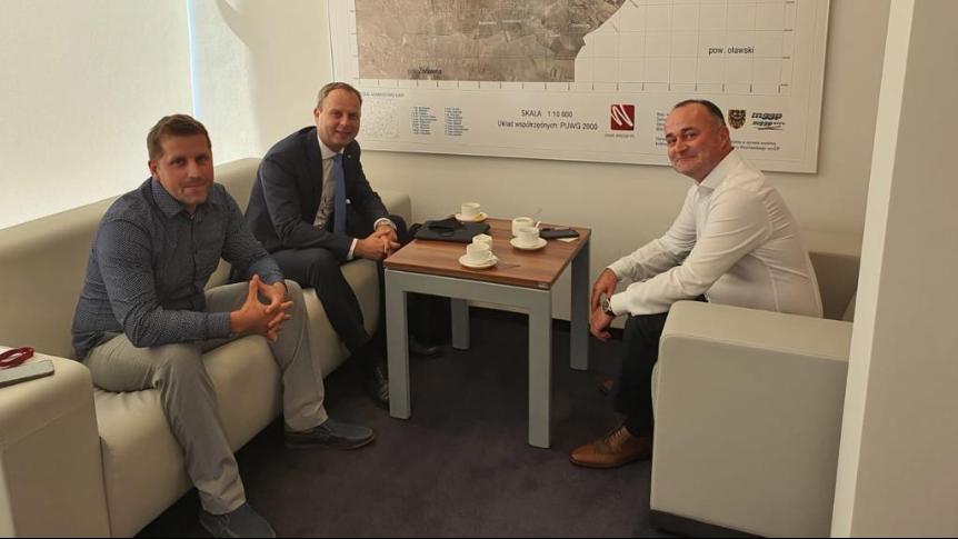 Na zdjęciu od prawej: Burmistrz Siechnic Milan Ušák, Poseł RP Paweł Hreniak, Radny Miejski Andrzej Dulski